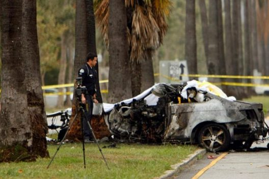 the-wreckage-of-the-car-crash-that-killed-journalist-michael-hastings-700x467