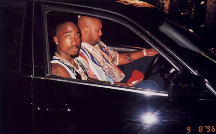 2pac-shakur-tupac-last-photo-suge-knight-las-vegas-september-7-1996